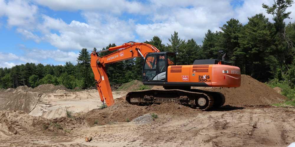 Hitatchi Excavator   Keyes Sand & Stone